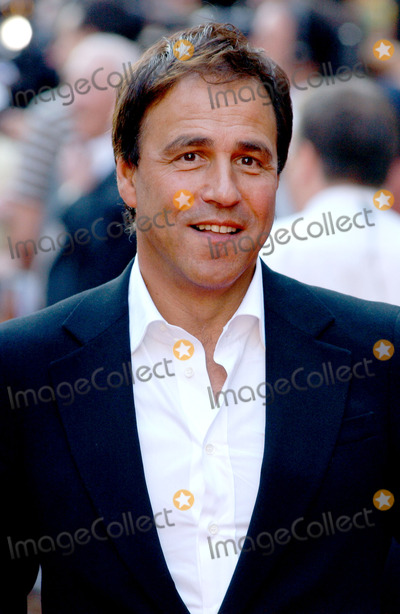 Anthony Horowitz Photo - London Anthony Horowitz at the westend premiere of the film Stormbreaker17 July 2006Picture by Steve McGarryLandmark Media