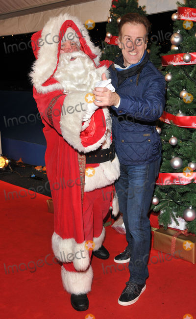 Anton Du Beke Photo - London UK  Anton du Beke at the VIP Preview of Winter Wonderland at Hyde Park on November 17 2016 in London United KingdomRef  LMK315-62270-191116Can NguyenLandmark Media WWWLMKMEDIACOM