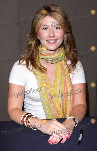 Jewel Staite Photo - London UK Jewel Staite at the London Film and Comic Con at Earls Court London 19th July 2009Keith MayhewLandmark Media