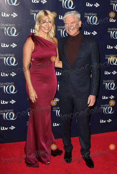 Hollies Photo - London UK Holly Willoughby and Philip Schofield at Dancing On Ice red carpet launch at the Natural History Museum Ice Rink Kensington London on Tueday December 18th 2018Ref LMK73-J4069-191218Keith MayhewLandmark MediaWWWLMKMEDIACOM