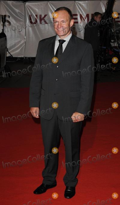 Francois Pienaar Photo - LondonUK  Francois Pienaar at the UK premiere of the film Invictus held at the Odeon West End cinema in Leicester SquareCan NguyenLandmark Media