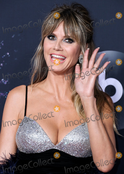 Heidi Klum Photo - LOS ANGELES CALIFORNIA USA - NOVEMBER 24 Heidi Klum arrives at the 2019 American Music Awards held at Microsoft Theatre LA Live on November 24 2019 in Los Angeles California United States (Photo by Xavier CollinImage Press Agency)