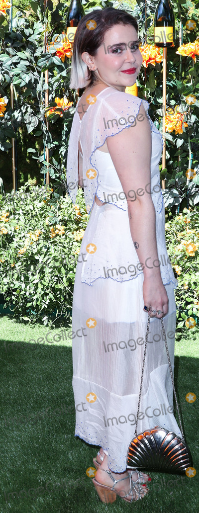 Mae Whitman Photo - PACIFIC PALISADES LOS ANGELES CALIFORNIA USA - OCTOBER 05 Mae Whitman arrives at the 10th Annual Veuve Clicquot Polo Classic Los Angeles held at Will Rogers State Historic Park on October 5 2019 in Pacific Palisades Los Angeles California United States (Photo by Xavier CollinImage Press Agency)