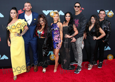 Snooki Photo - NEWARK NEW JERSEY USA - AUGUST 26 Jenni JWoww Farley Clayton Carpinello Nicole Snooki Polizzi Lauren Sorrentino Amy Paffrath Angela Pivarnick and Deena Nicole Buckner of Jersey Shore arrive at the 2019 MTV Video Music Awards held at the Prudential Center on August 26 2019 in Newark New Jersey United States (Photo by Xavier CollinImage Press Agency)