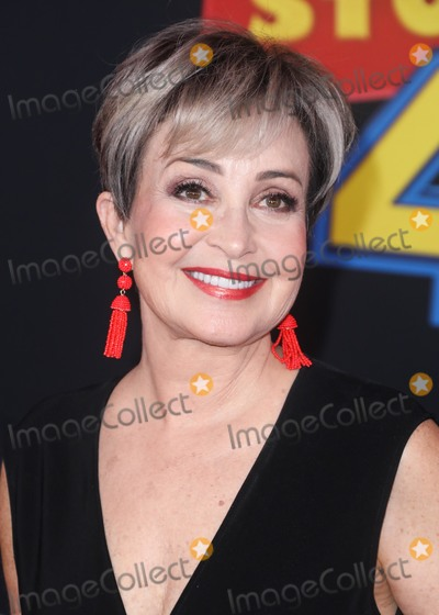 Annie Potts Photo - HOLLYWOOD LOS ANGELES CALIFORNIA USA - JUNE 11 Actress Annie Potts arrives at the Los Angeles Premiere Of Disney And Pixars Toy Story 4 held at the El Capitan Theatre on June 11 2019 in Hollywood Los Angeles California United States (Photo by David AcostaImage Press Agency)