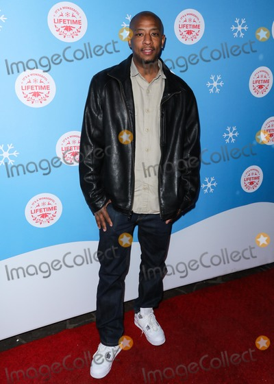 Antwon Tanner Photo - LOS ANGELES CA USA - NOVEMBER 14 Antwon Tanner at the Opening Night Of Life-Sized Gingerbread House Experience With The Stars Of Lifetimes Christmas Movies held at The Grove on November 14 2018 in Los Angeles California United States (Photo by David AcostaImage Press Agency)