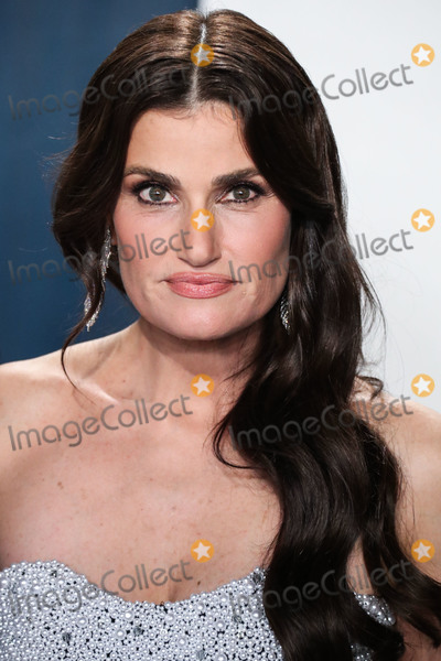 Idina Menzel Photo - BEVERLY HILLS LOS ANGELES CALIFORNIA USA - FEBRUARY 09 Idina Menzel arrives at the 2020 Vanity Fair Oscar Party held at the Wallis Annenberg Center for the Performing Arts on February 9 2020 in Beverly Hills Los Angeles California United States (Photo by Xavier CollinImage Press Agency)