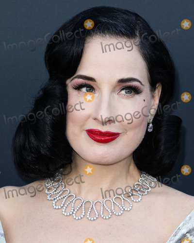 Dita Von Teese Photo - BEVERLY HILLS LOS ANGELES CALIFORNIA USA - SEPTEMBER 07 Dita Von Teese arrives at the Comedy Central Roast Of Alec Baldwin held at the Saban Theatre on September 7 2019 in Beverly Hills Los Angeles California United States (Photo by David AcostaImage Press Agency)