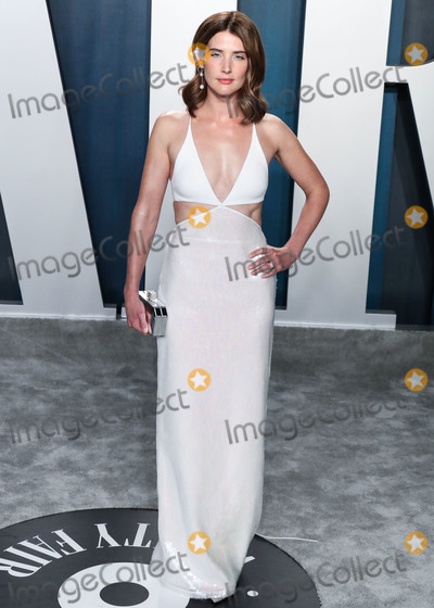 Coby Smulders Photo - BEVERLY HILLS LOS ANGELES CALIFORNIA USA - FEBRUARY 09 Cobie Smulders arrives at the 2020 Vanity Fair Oscar Party held at the Wallis Annenberg Center for the Performing Arts on February 9 2020 in Beverly Hills Los Angeles California United States (Photo by Xavier CollinImage Press Agency)