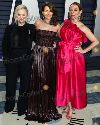 Amy Poehler Photo - BEVERLY HILLS LOS ANGELES CA USA - FEBRUARY 24 Actresses Amy Poehler Tina Fey and Maya Rudolph arrive at the 2019 Vanity Fair Oscar Party held at the Wallis Annenberg Center for the Performing Arts on February 24 2019 in Beverly Hills Los Angeles California United States (Photo by Xavier CollinImage Press Agency)