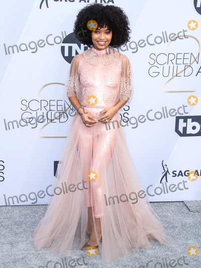 Yara Shahidi Photo - LOS ANGELES CA USA - JANUARY 27 Actress Yara Shahidi wearing a stunning Fendi Couture look with Cartier jewels arrives at the 25th Annual Screen Actors Guild Awards held at The Shrine Auditorium on January 27 2019 in Los Angeles California United States (Photo by Xavier CollinImage Press Agency)