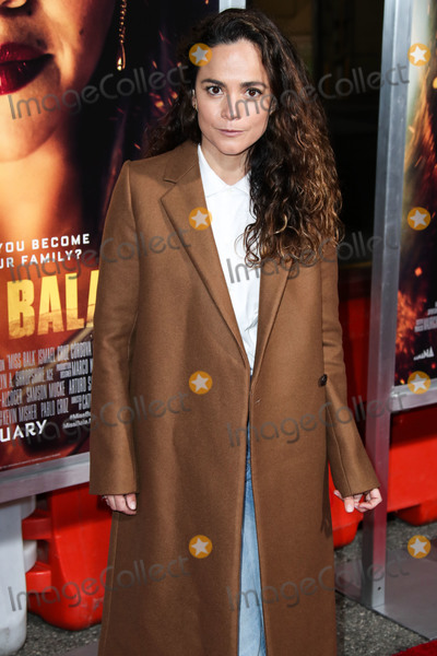 Alice Braga Photo - LOS ANGELES CA USA - JANUARY 30 Actress Alice Braga arrives at the Los Angeles Premiere Of Columbia Pictures Miss Bala held at Regal Cinemas LA Live Stadium 14 on January 30 2019 in Los Angeles California United States (Photo by Xavier CollinImage Press Agency)