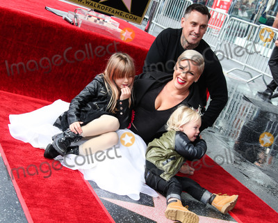 Alecia Moore Photo - HOLLYWOOD LOS ANGELES CA USA - FEBRUARY 05 Willow Sage Hart Jameson Hart Pnk (Pink Alecia Moore) and Carey Hart attend a ceremony honoring singer Pnk (Pink Alecia Moore) With Star On The Hollywood Walk Of Fame - Dedication of the 2656th star on the Walk of Fame in the category of Recording on February 5 2019 in Hollywood Los Angeles California United States (Photo by Xavier CollinImage Press Agency)