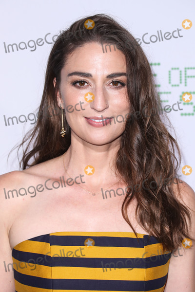 Jewel Photo - (FILE) Sara Bareilles Reveals She Had Coronavirus COVID-19 But Has Since Recovered WESTWOOD LOS ANGELES CALIFORNIA USA - SEPTEMBER 16 Singer Sara Bareilles wearing a Peggy Hartanto dress David Yurman jewels and Le Silla shoes arrives at the Los Angeles Premiere Of Fox Searchlight Pictures Battle Of The Sexes held at the Regency Village Theatre on September 16 2017 in Westwood Los Angeles California United States (Photo by Xavier CollinImage Press Agency)