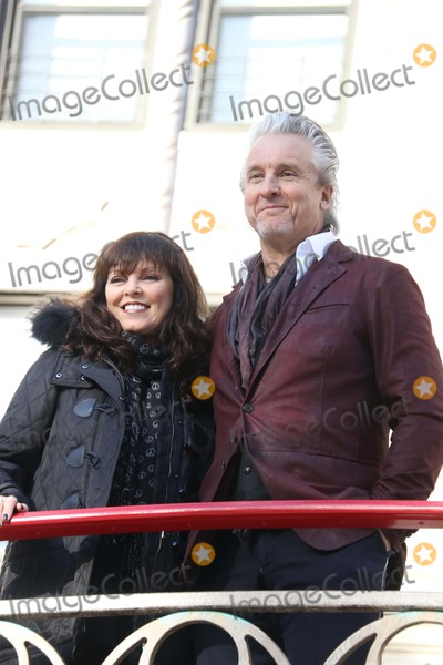 Pat Benatar Photo - Pat Benatarneil Giraldo at the 89th Macys Thanksgiving Day Parade 11-26-2015 John BarrettGlobe Photos