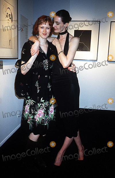 Adele Photo - Erin Oconnor Reveals Her Mannequin Adel Rootstein NYC 051602 Photo by Rose HartmanGlobe Photos Inc 2002 Karen Elson Erin Oconnor