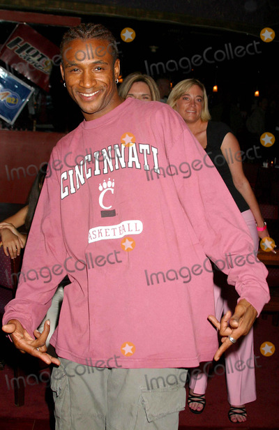 All 4 One Photo - Jamie Jones of All-4-one Debuts His Solo Album with a Hollywood Gala Hosted by Natalie Raitano-radio Coverage by Kiisfm  Hot 92 Bb Kings Universal City CA 04282004 Photo by Clinton H WallaceipolGlobe Photos Inc 2004 Tommy Davidson