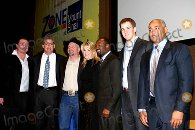 Harold Reynolds Photo - New Zone Dedication of New Zone For Sick Kids MT Sinai Hospital New York City 02-07-2006 Photo William Regan-Globe Photos Inc 2006 Jason Giambi Troy Aikman Garth Brooks Trisha Yearwood Harold Reynolds Eli Manning and Omar Manaya