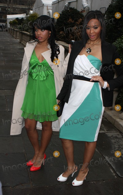 Angela Simmons Photo - Celebs at Day 3 at Bryant Park Fashion Shows Date 02-04-08 Photos by John Barrett-Globe Photosinc Angela Simmonvanessa Simmon
