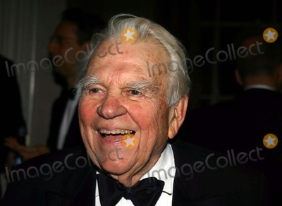 Andy Rooney Photo - 15th Annual International Press Freedom Awards Dinner at the Waldolf Astoria in New York City 11-22-2005 Photo by William Regan-Globephotos Inc 2005 Andy Rooney