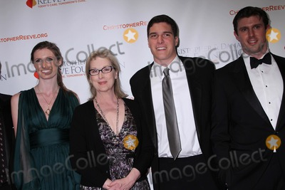Alexandra Reeve Photo - Christopher and Dana Reeve Foundation Hosts a Magical Evening Gala Cipriani Wall Street NYC November 30 2011 Photos by Sonis Moskowitz Globe Photos Inc 2011 Alexandra Reeve Meryl Streep Will Reeve Matthew Reeve