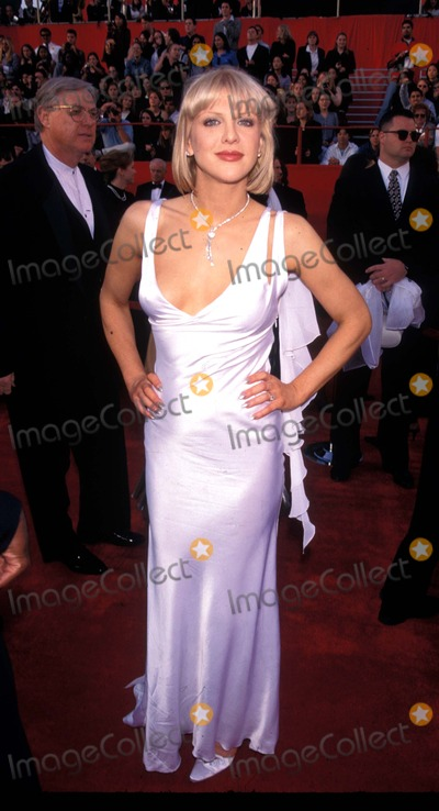 Courtney Love Photo - 69th Academy Awards Courtney Love Photo by Fitzroy BarettGlobe Photos Inc K8147fb