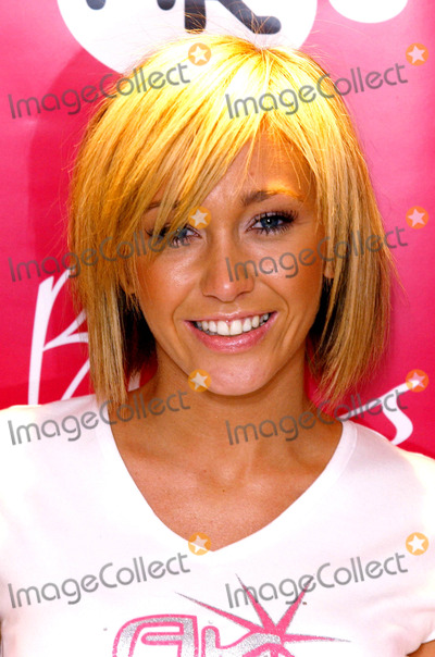 Atomic Kitten Photo - 18022003JENNY FROST    ATOMIC KITTENAC CHILDRENS CLOTHING LAUNCH-BHS LONDON-who launched a childrens clothing range called AK which will be sold by British Home StoresPHOTO BYPAUL HENNESSYGlobelinkUKGLOBE PHOTOS INC  2003K29177 NORTH AND SOUTH AMERICA ONLY