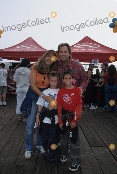 Beau Bridges Photo - Beau Bridges with Wife Wendy Bridges and Family Fifth Pier Del Sol Pacific Park on Santa Monica Pier  Ca 2001 K23160mr Photo by Milan Ryba-Globe Photos Inc