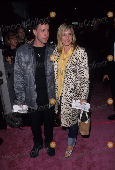 Alexis Arquette Photo - Alexis Arquette with Patricia Arquette Sugartown Screening at Laemmles Music Hall 1999 K16581fb Photo by Lisa Rose-Globe Photos Inc