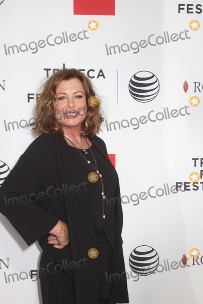 Kelly LeBrock Photo - Kelly Lebrock attends the Closing Night Screening of Goodfellas During the 2015 Tribeca Film Festival at Beacon Theatre on