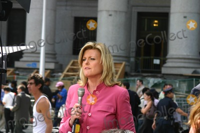 ALEX WITT Photo - Martha Stewart Sentencing on Obstruction of Justice Charges at Federal Court New York City 07162004 Photo by William Regan  Globe Photos Inc 2004 Alex Witt (Msnbc News)