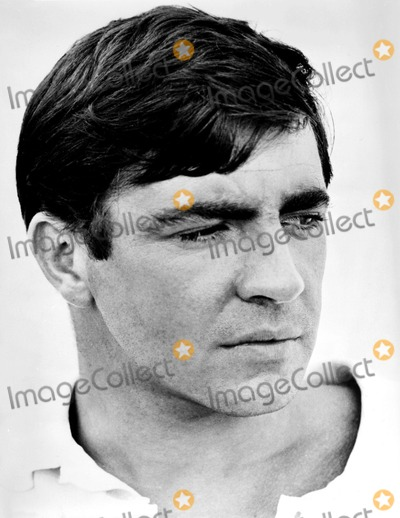 Alan Bates Photo - Alan Bates 1967 Supplied by Globe Photos Inc Alanbatesretro