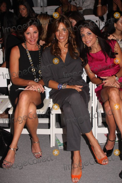 BETHANY FRANKEL Photo - Mercedes-Benz Fashion Week - Spring 2010Pamella Roland  Fashion Show - CelebritiesBryant Park New York City  09-15-2009Photo by Barry Talesnick-Ipol-Globe Photos Inc 2009I14587BTKelly Killoren Bensimon with Countess Luann de Lesseps and Bethany Frankel