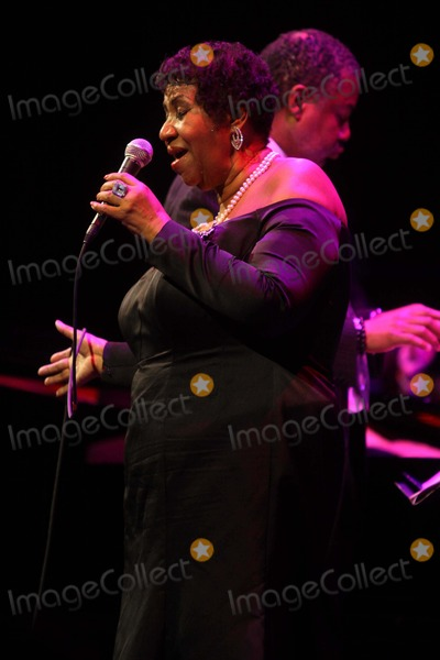 Aretha Franklin Photo - Aretha franklinat the candies Foundation Celebrates Its 10thanniversary with Annual Event to preventat Cirpriani 42st    5-3-11photo by John barrettglobe Photos inc2011