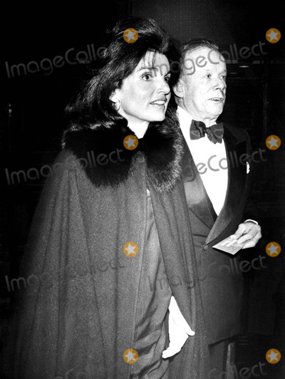 Jacqueline Kennedy Onassis Photo - Jacqueline Kennedy Onassis and William Walton Michael NorciaGlobe Photos Inc