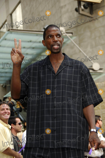 AC Green Photo - Ac Green During a Ceremony Honoring LA Lakers Owner Jerry Buss with a Star on the Hollywood Walk of Fame on October 30 2006 in Los Angeles Photo by Michael Germana-Globe Photos