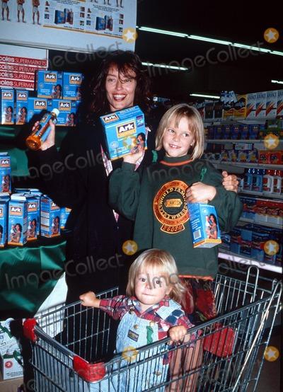 Rachel Ward Photo -  Rachel Ward with Children Matilda and Joe Dave MorganGlobe Photos Inc
