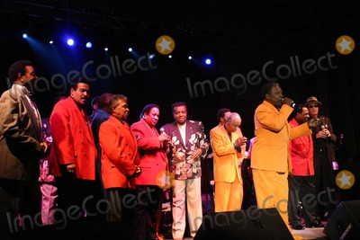 Anthony and the Imperials Photo - Brooklyn Paramount Rock  Roll Show Paramount Theatre Brooklyn NY 04-01-2007 Photo by Mark Kasner-Globe Photos 2007 the Teenagers Little Anthony and the Imperials the Drifters