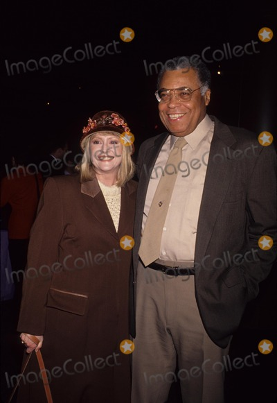 Cecilia Hart Photo - Earl James Jones with Cecilia Hart 1993 L5010lr Photo by Lisa Rose-Globe Photos Inc