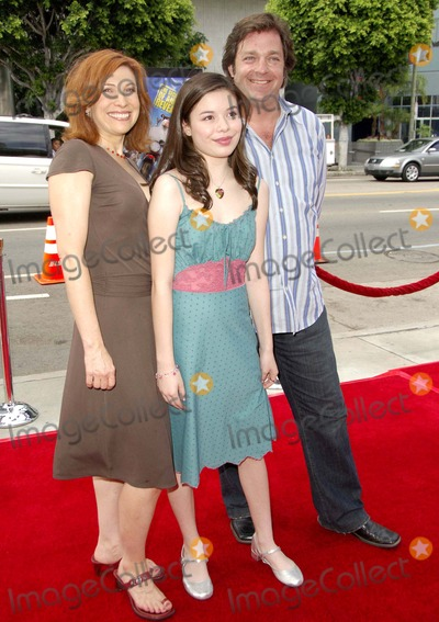 Nancy Sullivan Photo - Nancy Sullivan Miranda Cosgrove and Jonathan Goldstein During the Premiere of the New Movie From Paramount Pictures Barnyard Held at the Cinerama Dome on July 30 2006 in Los Angeles Photo Michael Germana - Globe Photos Inc