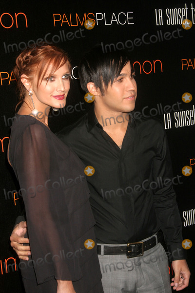 Ashlee Simpson-Wentz Photo - the Grand Opening of Palms Place Hotel and Spa Las Vegas NV 05-31-2008 Photo by Ed Geller-Globe Photos Ashlee Simpson and Pete Wentz