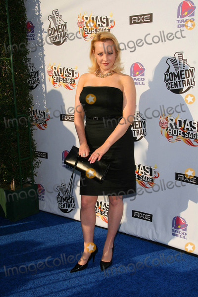 Wendi McLendon Covey Photo - Comedy Central Roast of Bob Saget Warner Brothers Studios Burbank California 08-03-2008 Wendi Mclendon Covey Photo Clinton H Wallace-photomundo-Globe Photos Inc