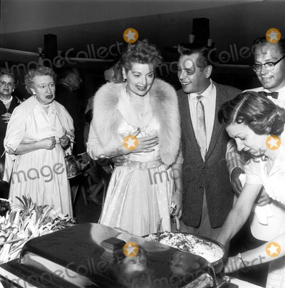 Desi Arnaz Photo - Lucille Ball and Desi Arnaz Larry Barbier JrGlobe Photos Inc