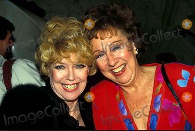 Dorothy Loudon Photo - Photo Rangefinders Globe Photos Inc 1988 Dorothy Loudon and Jean Stapleton Dorothyloudonretro