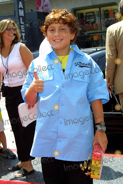 Daryl Sabara Photo - Spy Kids 2 the Island of Lost Dreams Premiere at Graumans Chinese Theater in Los Angeles CA Daryl Sabara Photo by Fitzroy Barrett  Globe Photos Inc 7-28-2002 K25682fb (D)