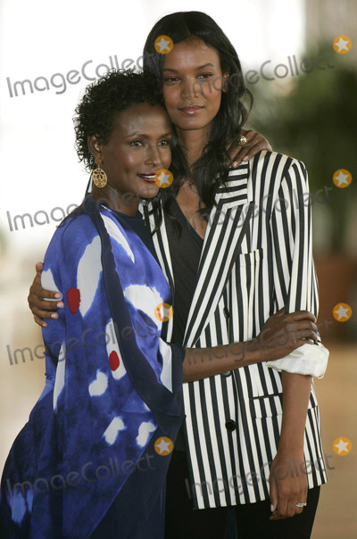 Waris Dirie Photo - Waris Dirie Liya Kebede Author Actress Desert Flower Photocall 66th Venice Film Festival in Venice Italy 09-05-2009 Photo by Kurt Krieger-allstar-Globe Photos Inc