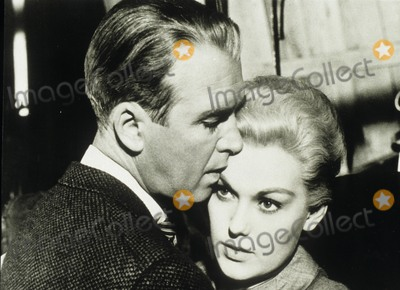 Kim Novak Photo - Jimmy Stewart with Kim Novak Vertigo ( the Abc Sunday Night Movie ) Supplied by Globe Photos Inc