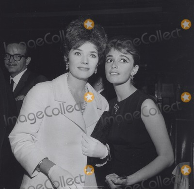 Anna Maria Alberghetti Photo - Polly Bergen with Anna Maria Alberghetti Supplied by Globe Photos Inc