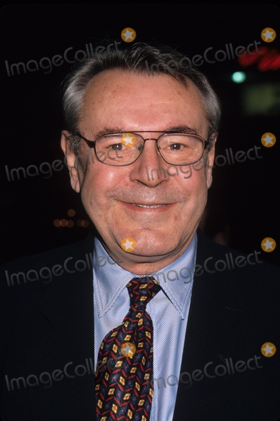 Milos Forman Photo - Milos Forman Man of the Moon Premiere at Chinese Theatre in Hollywood  Ca 1999 K17559lr Photo by Lisa Rose-Globe Photos Inc