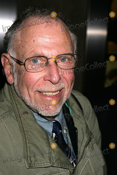 Al Goldstein Photo - AL Goldstein Departing the Howard Stern Show New York City 12-13-2004 Photo Rick Mackler-rangefinders-Globe Photos Inc 2004 AL Goldstein